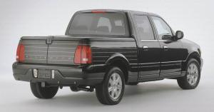 Lincoln-Blackwood-2002-J-Mays-Patrick-Schiavone-design