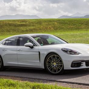Porsche_Panamera-2017-auto-sales-statistics-Europe