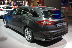 Ford-Mondeo-Wagon-Paris-Auto_Show-2014