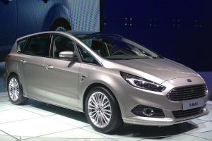 Ford-SMax-Paris-Auto_Show-2014