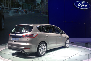 Ford-S_Max-Paris-Auto_Show-2014