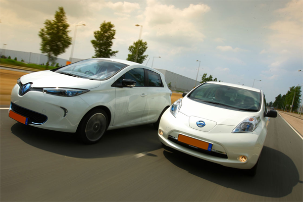 European-car-sales-ranking-september-2014-Renault_Zoe-Nissan_Leaf