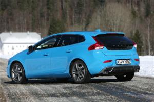 European-auto-sales-statistics-2014-full-year-Volvo_V40