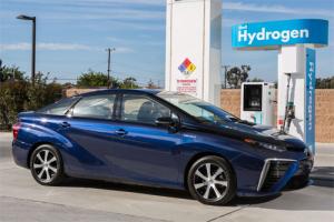 Midsized_car-segment-European-sales-2014-Toyota_Mirai_FCV