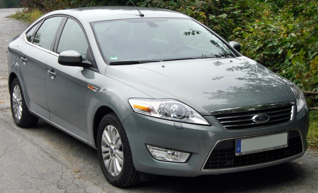 Ford_Mondeo_MK4_Fließheck_Ghia_front-1