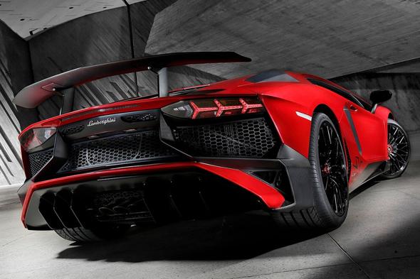 Lamborghini_Aventador_LP750_4_SV-rear-Geneva_Auto_Show-2015
