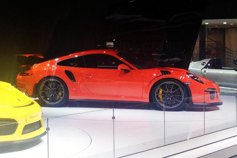 Porsche_911-GT3_RS-Geneva_Auto_Show-2015