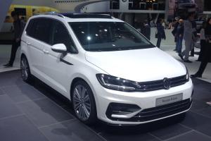 VW_Touran-front-Geneva_Auto_Show-2015