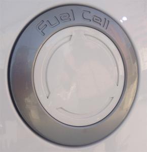 Hyundai_ix35-Hydrogen-Fuel_Cell_Vehicle-filler_cap