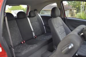 Compact-hatchback-3_door-entrance-backseat