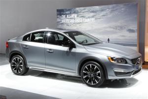 European-sales-premium_midsize_segment-Volvo_S60_Cross_Country