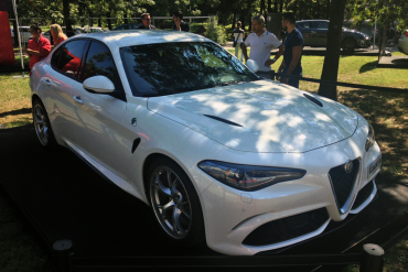 Alfa_Romeo_Giulia-right-front