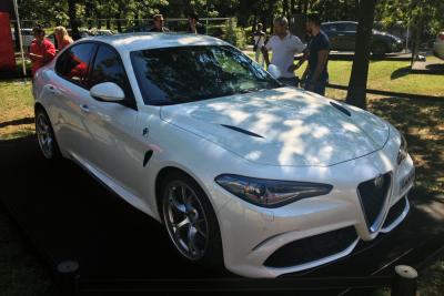 Alfa_Romeo_Giulia-right-front