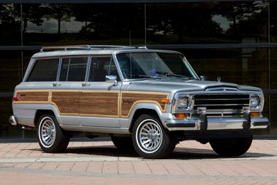 Jeep_Grand_Wagoneer-Classic