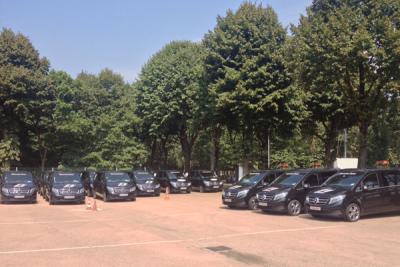Mercedes_Benz_V_Class-european_car_sales-2015-large_passenger_van_segment