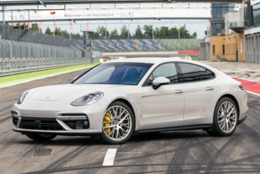 Porsche_Panamera-2017-US-car-sales-statistics