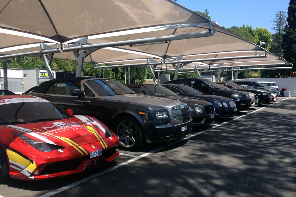 Ferrari-Rolls_Royce-Bentley-Monaco-street_scene-2015