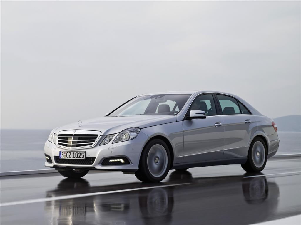 2010-Mercedes-Benz-E-Class-Image-01-1024