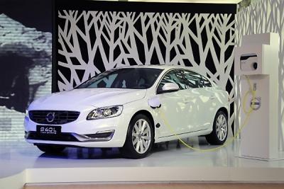 Auto-sales-statistics-China-Volvo_S60L_PHEV-sedan