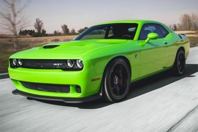 Dodge_Challenger_Hellcat-sales-surprise-US-2015