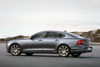 Volvo_S90-sales-surprise-US-2016