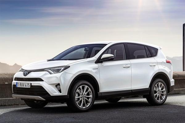 Toyota_RAV4-facelift-2016