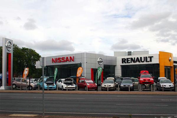 European-car-sales-march-2016-Renault-Nissan-dealership