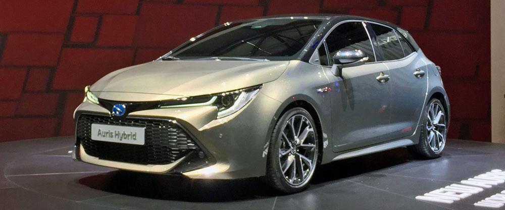 Toyota_Auris-Geneva_Autoshow-2018-front-side