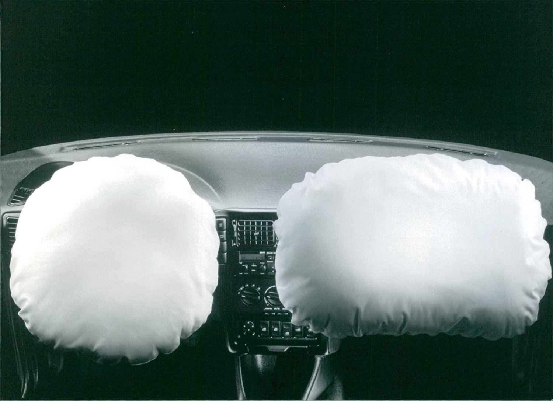 Vintage photo of Seat Cordoba airbag